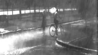 """""""Я шагаю по Москве"""". Дождь."""