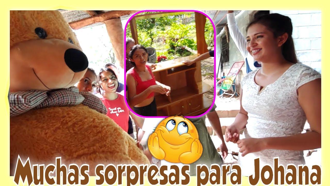 WOW! A JOHANA LA LLENARON DE REGALOS SUS PRETENDIENTES😍 Garza le robó un beso a Johana. Parte 16