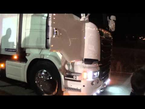 ''Οι νταλίκες''...μέσα από την καμπίνα του Scania...