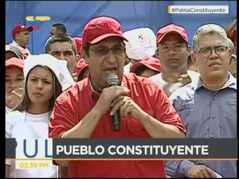 Adán Chávez y Elías Jaua en marcha de las Comunas por la Constituyente