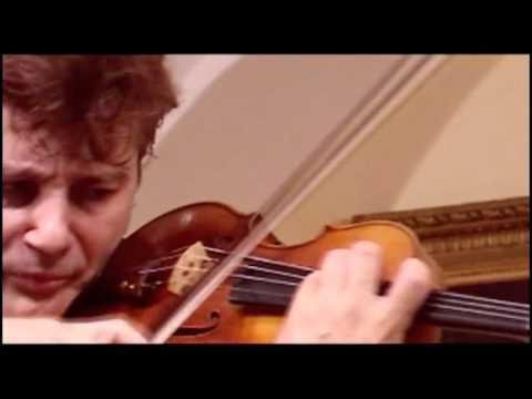 Manrico Padovani- Paganini Capriccio 17 in e flat major - Live in Vienna - 7 of 11