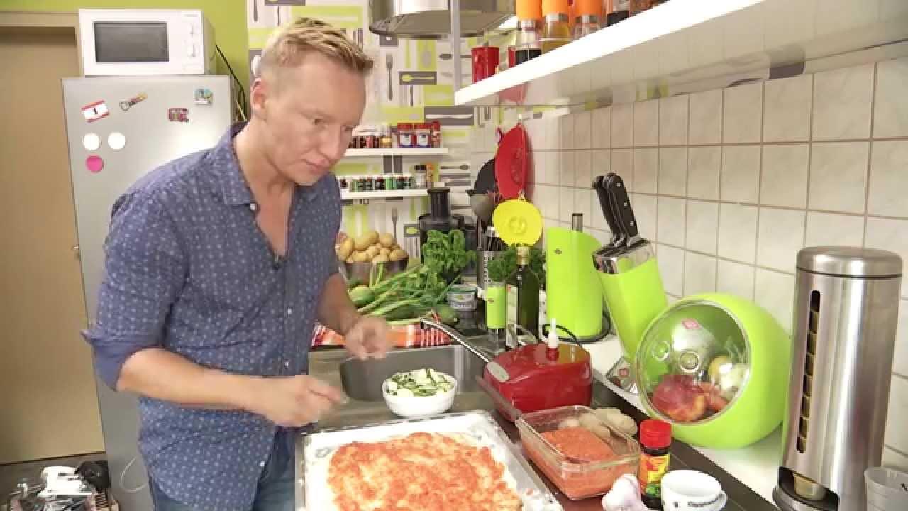 Qvc Moderator Gestorben: Gemüse-Pizza Leichtgemacht Mit Der MAGIMIX Küchenmaschine