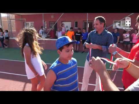 Juanjo Segura clausura la Escuela Municipal de Deportes de Tenis