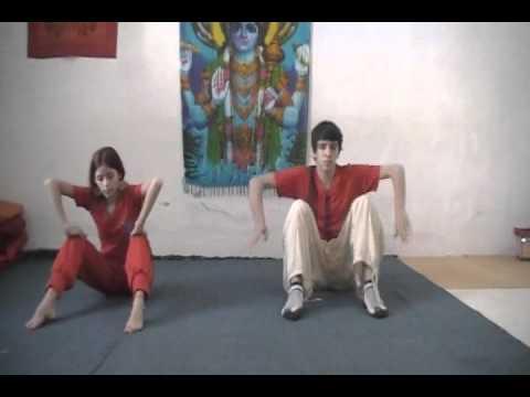 Posturas de Brazos y Piernas - Academia Internacional de Yoga