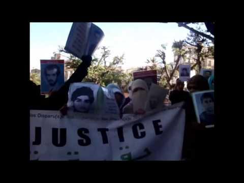 Rassemblement des familles de disparus le 09 janvier 2013 à Oran 1) MPG