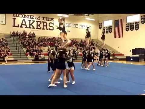 Stayton High School Cheer coed Varsity performance