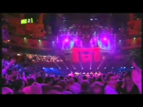 Noel Gallagher - Whatever (Live @ Teenage Cancer Trust 2010)