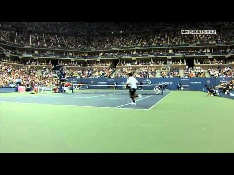 Roger Federer - Colpo tra le gambe / Between the legs - US Open 2010 (HD)