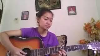 Aku Jatuh Cinta - Regina || cover gitar by Nurindah Fatyka Sari