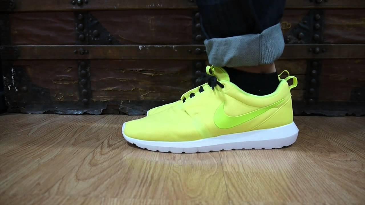 brand new b353a 659d0 Nike Roshe Run NM