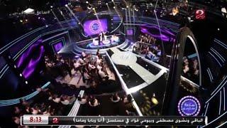 أحمد شيبة يشعل المسرح بأغنية (آه لو لعبت يا زهر)