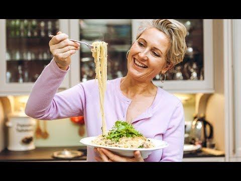 Spaghetti mit Sardinen, Chili und Knusperbröseln