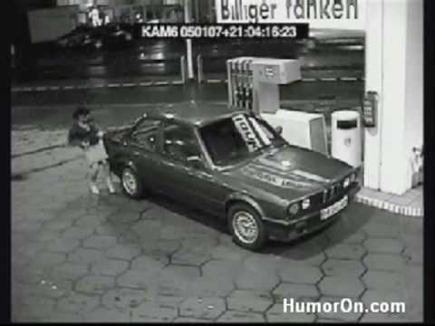 Woman Fails At Using Petrol Pump