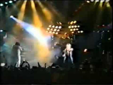 =Посвящение Другу=Август  российская рок-группа, играющая в стиле хард-н-хеви. Одна из первых групп Советского Союза, выпустившая на фирме Мелодия пластинку в стиле хеви-метал (наряду с группами Чёрный кофе, Круиз, Мастер и А́рия). Перва - группа