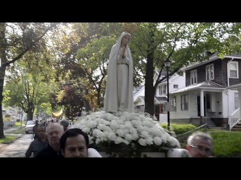 Annual Our Lady of Fatima procession promotes peace