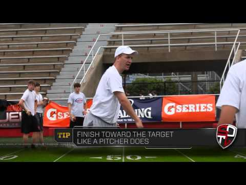 Peyton Manning Teaches the Three-Step Drop