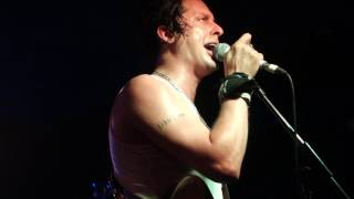 Carl Barât and The Jackals - Cracks / War of the Roses (live at Sebright Arms)