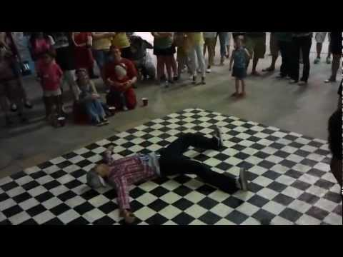 Breakdancing at Vacant 2: Electric Boogaloo 7/21/2012