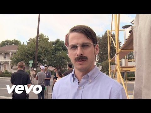 Foster The People - Don't Stop (Color On The Walls) (Behind The Scenes)