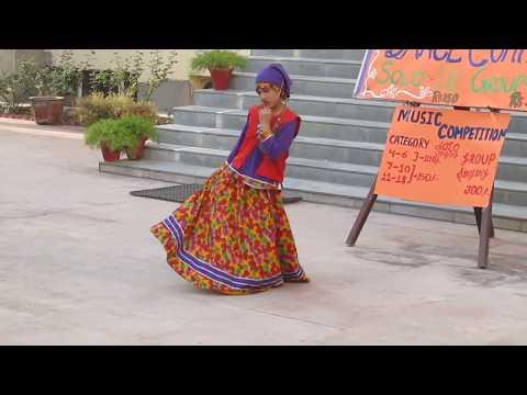 Kaan main Double Jhumka- कान माई डबल झुमका
