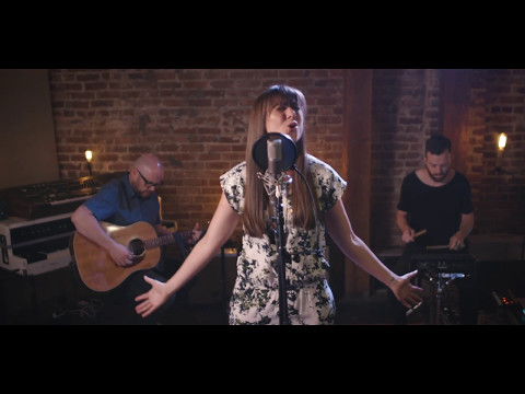 O Come To The Altar - Elevation Worship (Acoustic Cover) - Alisa Turner