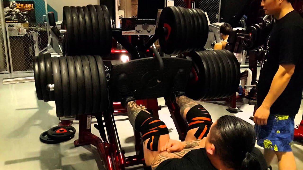 臺灣 散打搏擊格鬥 健身 無限量級冠軍 陳思翰(陳之漢) 腿推舉 860公斤 - YouTube