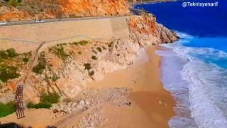 Kaputaş plajında dalgalar bahar temizliği yapıyor 🌊