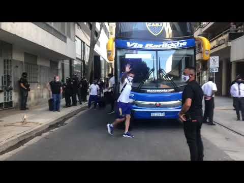 Boca Juniors llegó a Rosario y fue recibido por una multitud 🔵🟡🔵