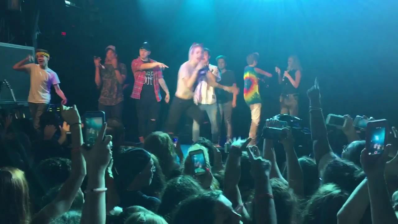 Download 5Quad - Snapchat Chick ft. Sanni, Loren Gray, Mark Thomas, Maddie Welborn & Tion Phipps