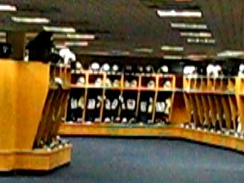 notre dame chat rooms Insider: brian kelly's unique organization of notre dame locker room enhancing camaraderie brian kelly reorganized the locker room by personality rather than position and the players believe it's contributed to 5-1 start.