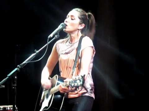 KT Tunstall Black Horse 7 Nation Army