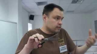 Как правильно держать филировочные ножницы зубчиками вниз или зубчиками вверх
