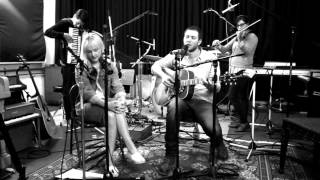 EDDIE BERMAN WITH  LAURA MARLING - DANCING IN THE DARK - THE LAB TV