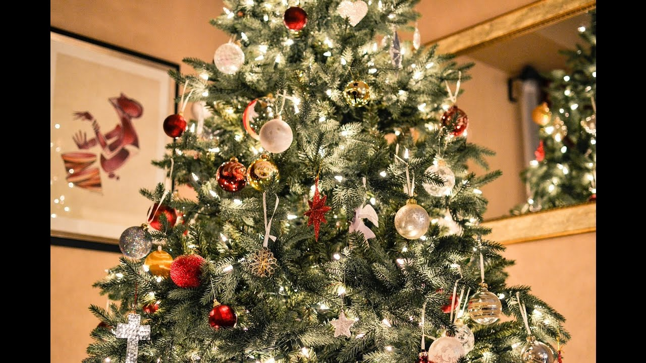 how to decorate a christmas tree professionally decorate a christmas tree professionally