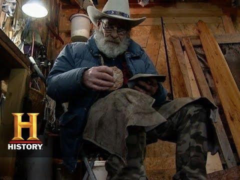 Mountain Men: Tom Handmakes A Knife (Season 3, Episode 7) | History