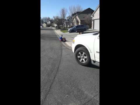 Radio Flyer Cyclone versus Swiggle