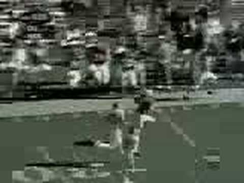 Eric Crouch game winning TD catch against Oklahoma (2001)