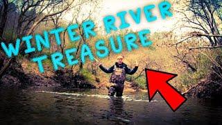 RIVER TREASURE HUNT FOR ANTIQUE BOTTLES! | WINTER WATER TREASURE!