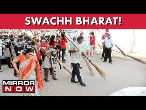Swachh Bharat : Delhi Citizens Take Pledge To Make India Clean I The News