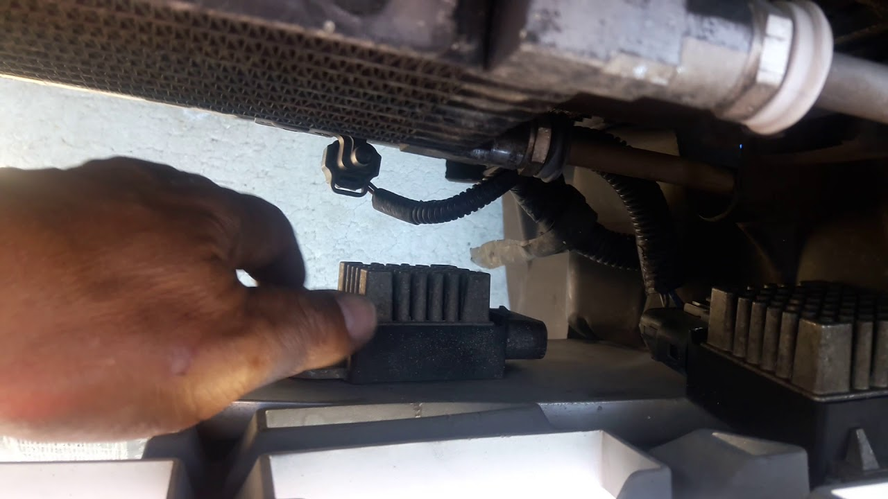 small resolution of 2005 chrysler pacifica fan relay location