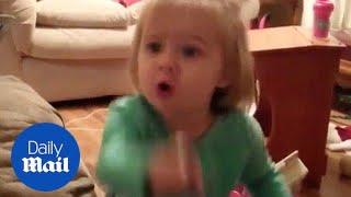 Hilarious moment jealous kid demands parents stop kissing - Daily Mail