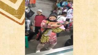"Video Keren Ibu Pengamen Nyanyi Sambalado ""HEBOH"" download MP3, 3GP, MP4, WEBM, AVI, FLV Agustus 2018"