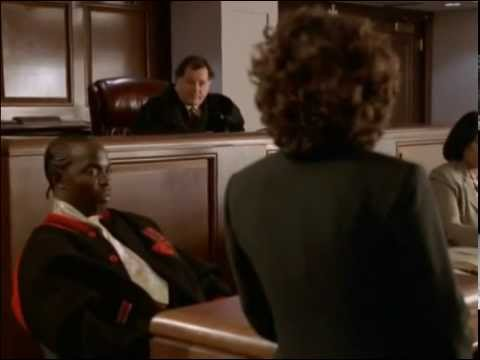 Omar testifes against Bird - The Wire season 2 episode 5 and 6