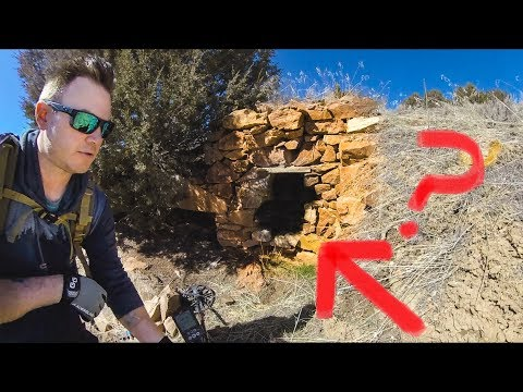 Abandoned Gold Mine Found In The Middle Of Nowhere!