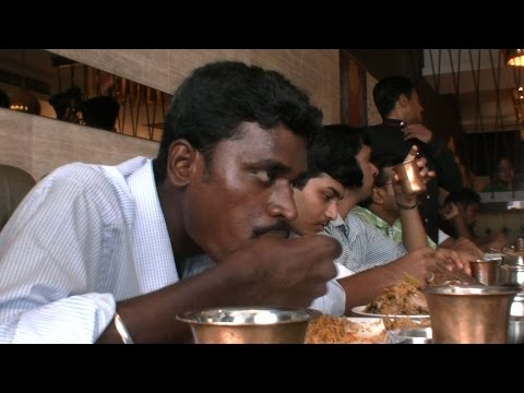 2 Kg & 200gm of  Biryani  in 20 Minutes Chennai Guy Sets Record in Briyani Eating Competition