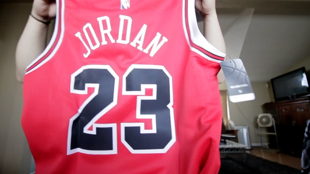 outlet store 6c81b d7ddf MICHAEL JORDAN NIKE NBA SWINGMAN JERSEY UNBOXING + REVIEW