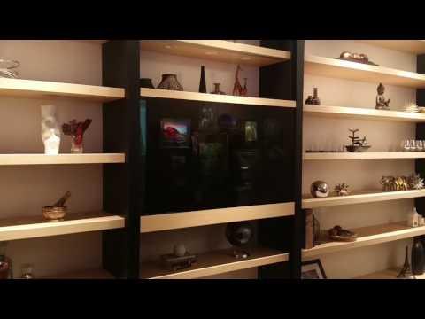 Samsung CES Transparent Screen on Shelf