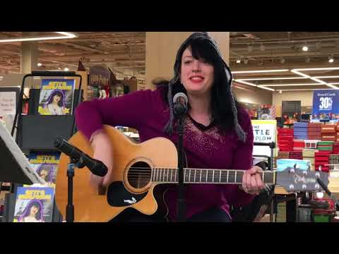 Patti Rothberg Live at Barnes and Noble Eastchester, NY 11/29/17 Part 1