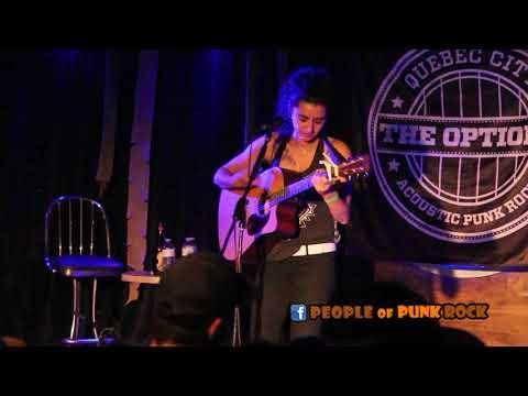 JENN FIORENTINO - Lookers (The Menzingers) @ Acoustic Fest, Québec City QC - 2017-11-04