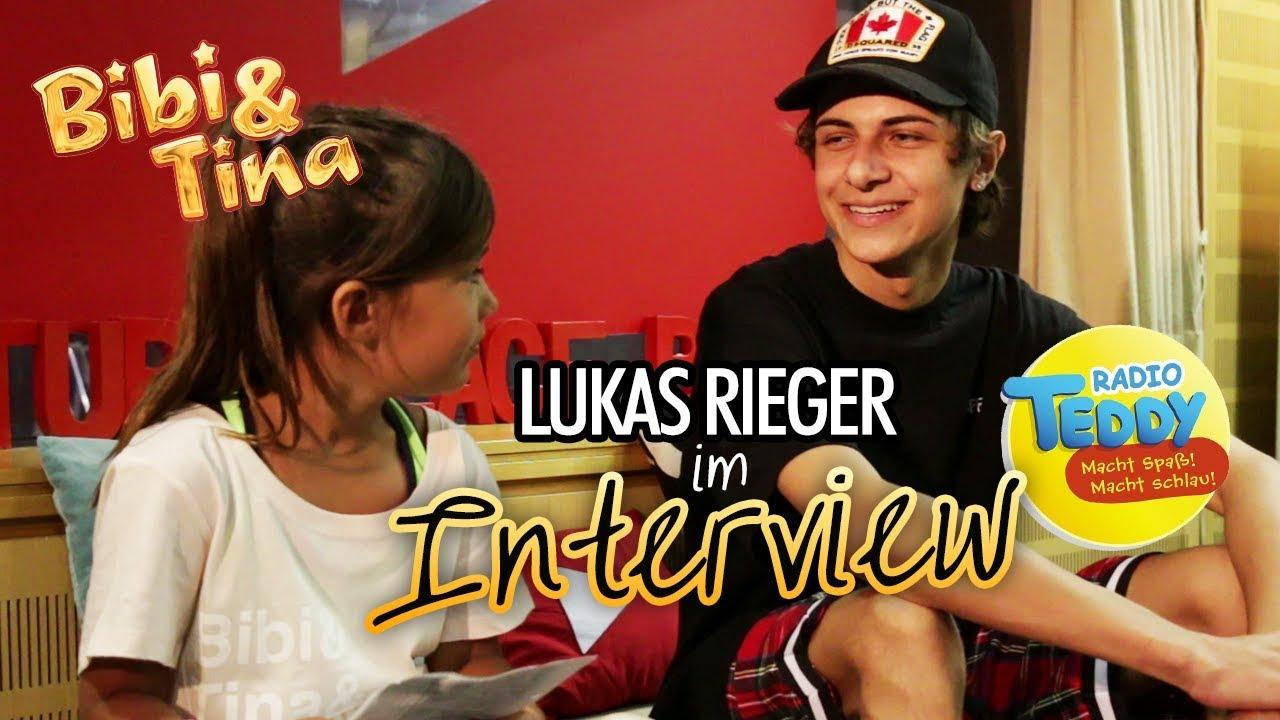 Dünner Teenie Wird Interviewt